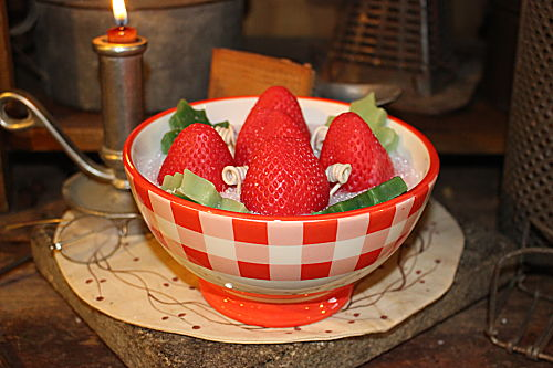 Fresh Picked Strawberry Candle Pioneer Woman Bowl-fresh picked strawberry