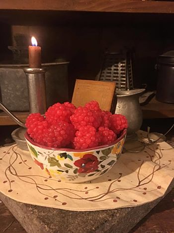 Pioneer Woman Bowl With Berries-Strawberry Raspberry Guava-